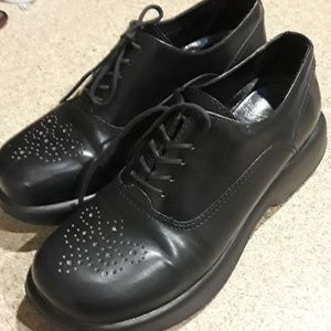 DANSKO  BLACK LACE UP SHOES SIZE 38
